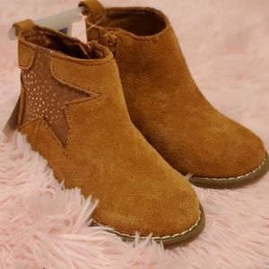 NWT Toddler Gap Star Boots 7